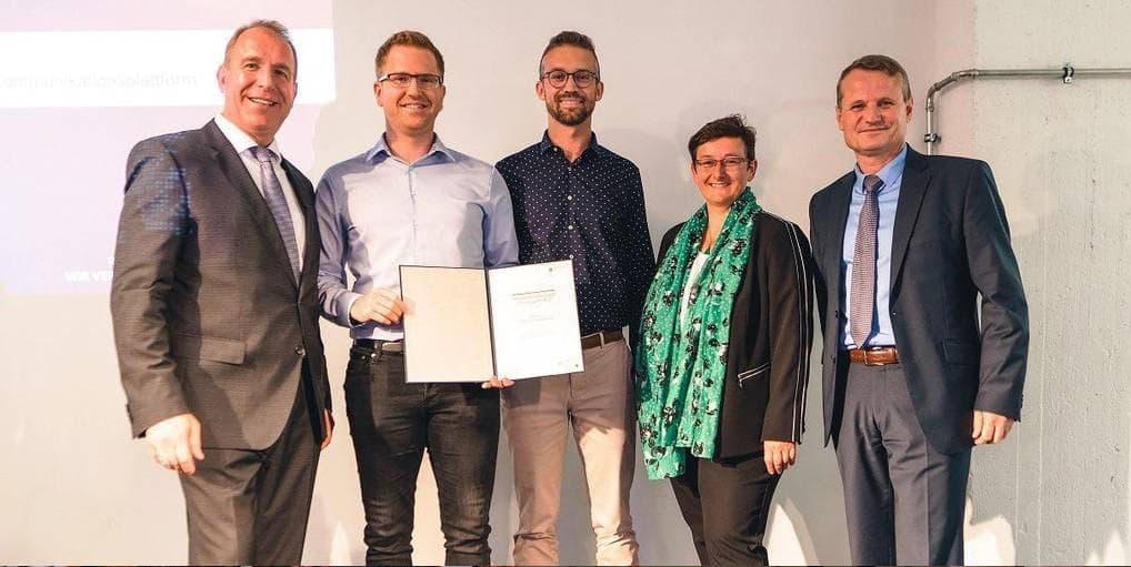Das Start-up FlexHero mit Birger Hartnuss aus der Staatskanzlei Rheinland Pfalz
