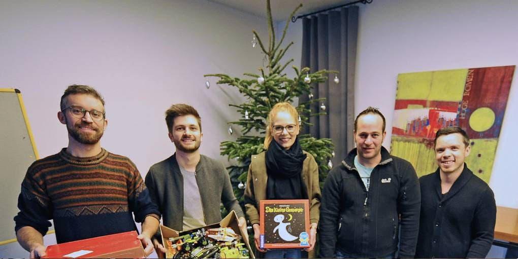 Geschenkeübergabe der Wormser Weihnachtsaktion von FlexHero