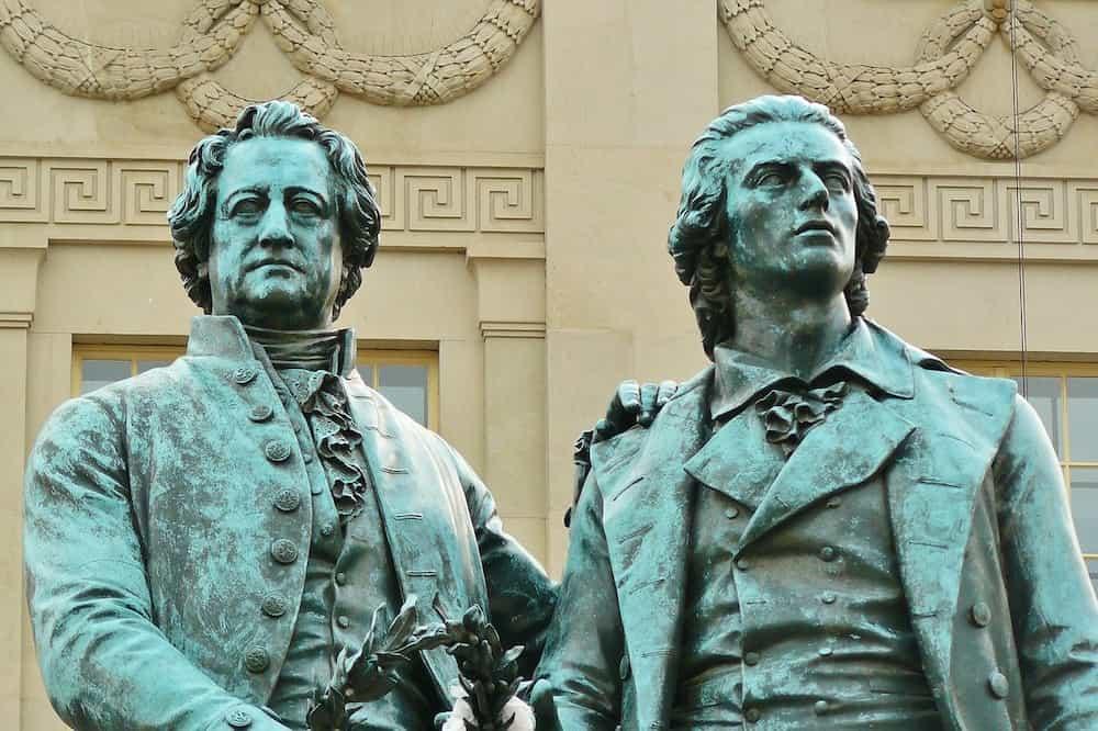 Goethe und Schiller stehen für Weimar und das Ehrenamt im Weimarer Land