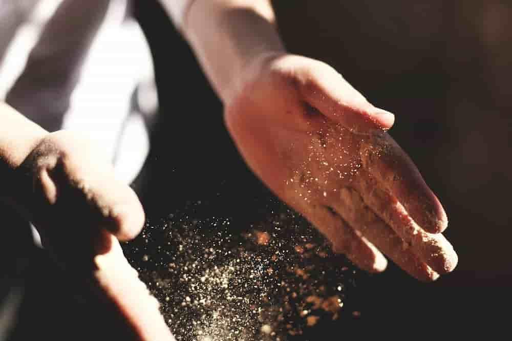 Hände eines ausgebildeten Schreiners