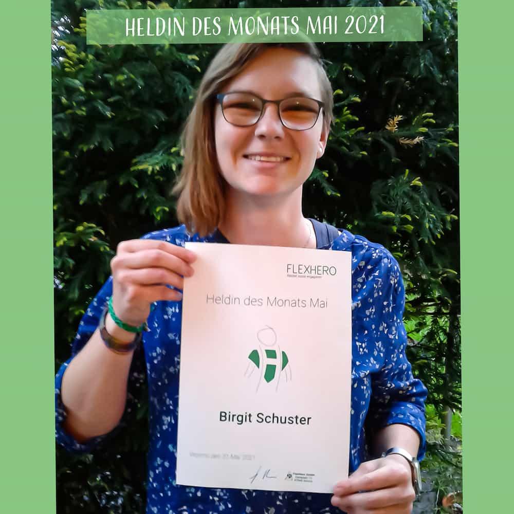 Heldin des Monats Birgit Schuster von der Freiwilligen Feuerwehr Ottobrunn