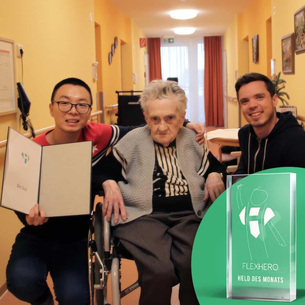Held des Monats Dezember Bin Sun im Seniorenheim der AWO Worms mit Bewohnerin